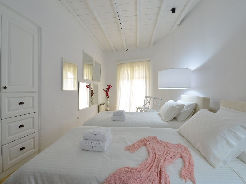 LUXURY VILLA MYKONOS (1)